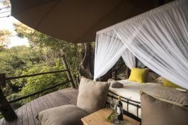 rubondo-island-camp-tree-house-interior-eric-frank-hr