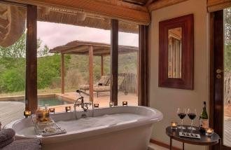 Kwandwe-Great-Fish-River-Lodge-suite-bathroom